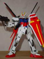 Strike Gundam – Aile mode